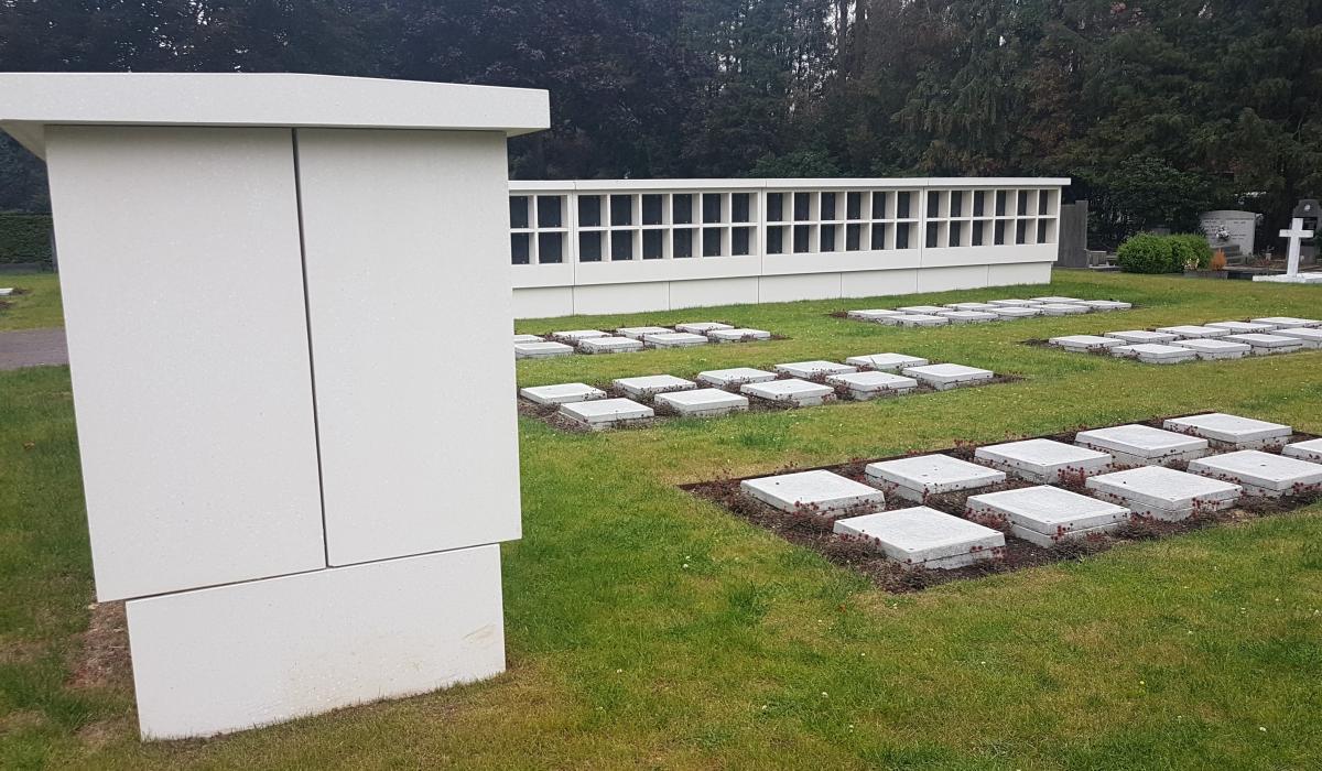 Columbariummuren inclusief tablet voor begraafplaats van Mortsel zijkant
