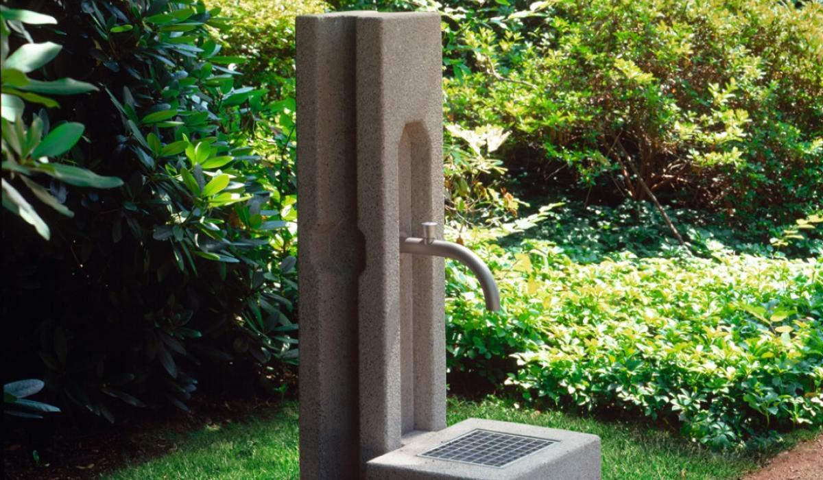 Wasser Stele